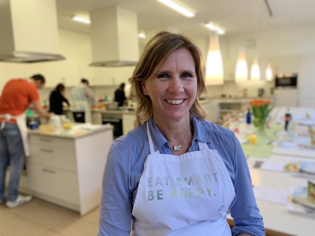 Kochkurs mit Gabriele Braun in der Lehrküche der VHS Volkshochschule Heidelberg